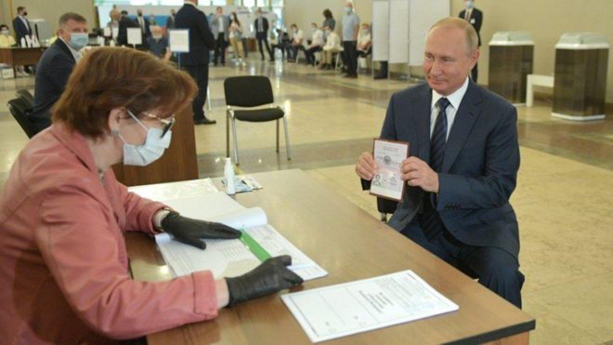 Rusya'da referandum sonucu: Ebedi başkan Putin