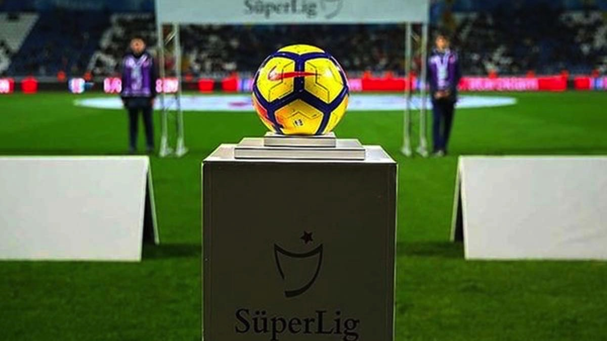 Süper Lig'de tarihi karar: Küme düşme kalktı, 21 takımla oynanacak