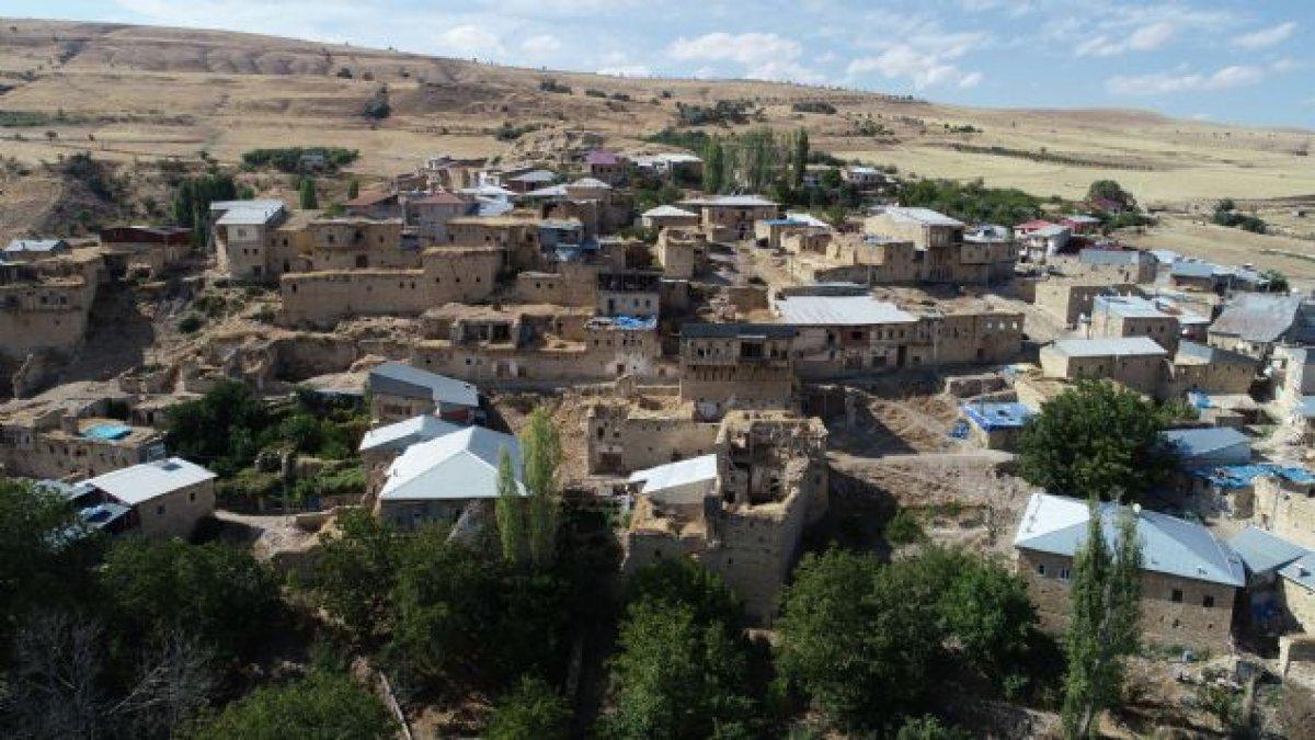 8 kişi hastaneye kaldırıldı: Köy karantinada