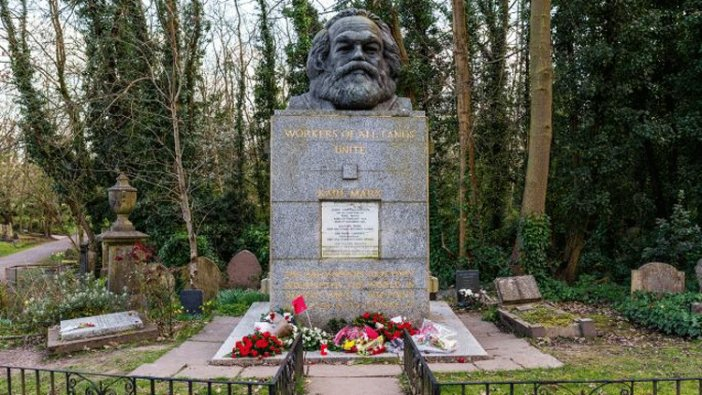 Karl Marx'ın mezarına çirkin saldırı
