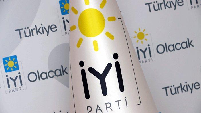 Ünlü oyuncu İYİ Parti Kadıköy adayı oldu!