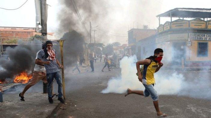 Venezuela'da tansiyon düşmüyor! Hareketli saatler...