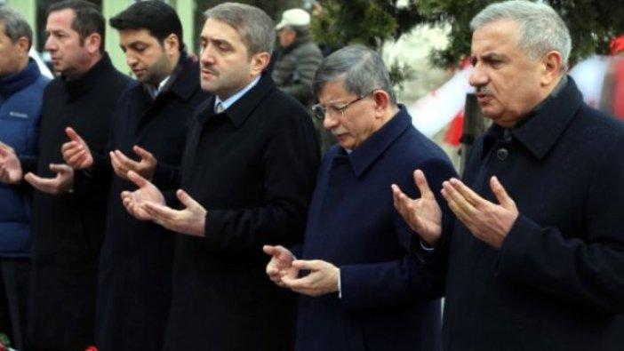 Erdoğan'a yakın isim Davutoğlu'na mı transfer oldu? Dikkat çeken Erbakan ziyareti