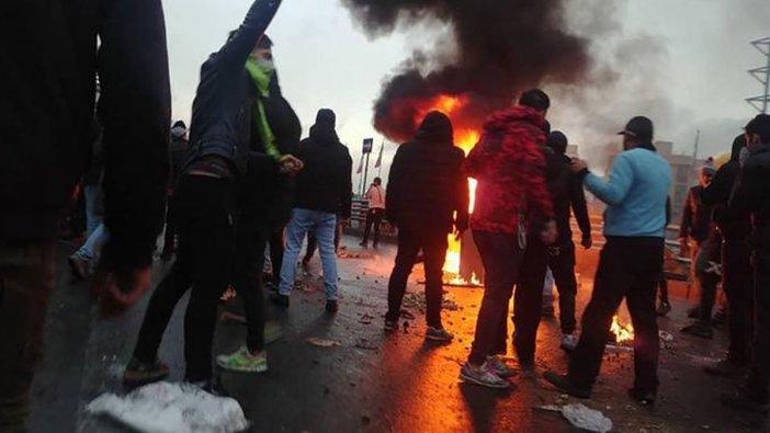 İran'da yüzde 50 benzin zammına karşı protestolar büyüyor