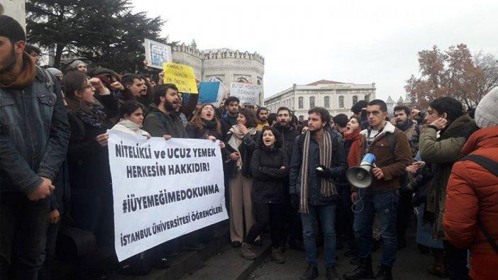 İÜ öğrencilerinden yemek protestosu: Müşteri değiliz öğrenciyiz