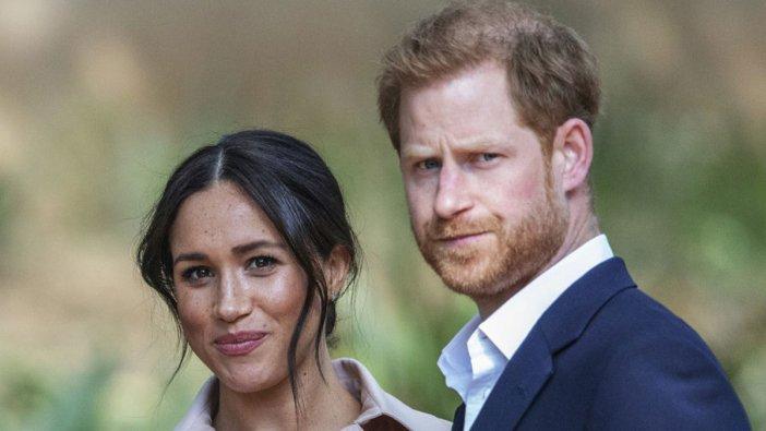 İngiltere Prensi ve eşi kraliyet ailesinden çıktı