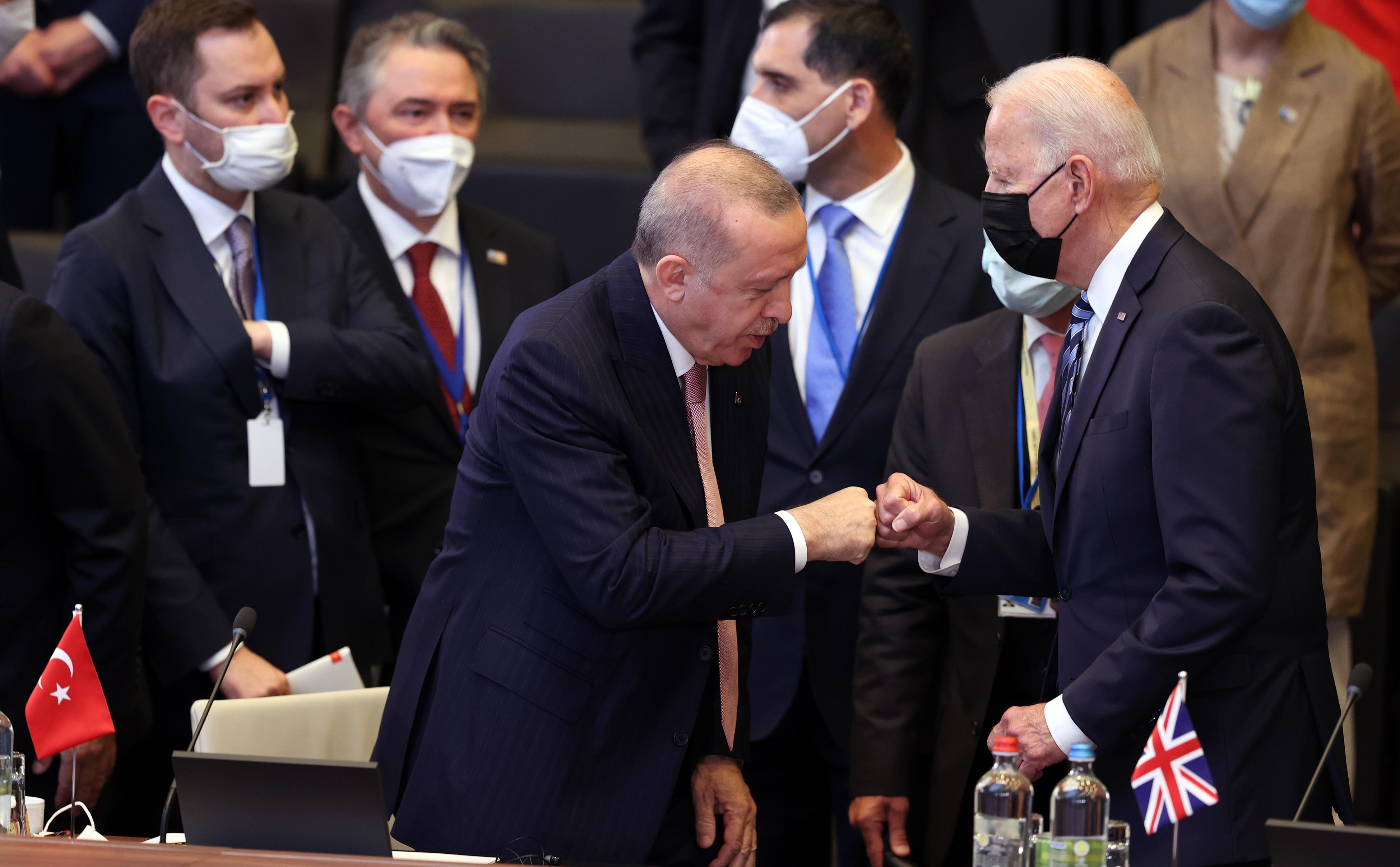 NATO Zirvesi başladı: Erdoğan ve Biden'dan ilk temas