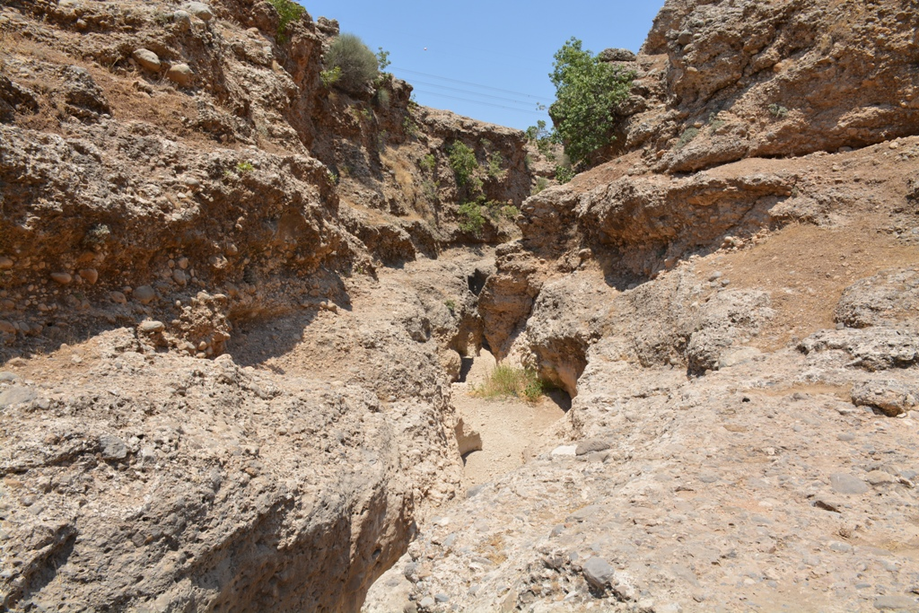 cudi-dagindan-dogan-bazamir-deresi-kurudu-8896-dhaphoto1.jpg