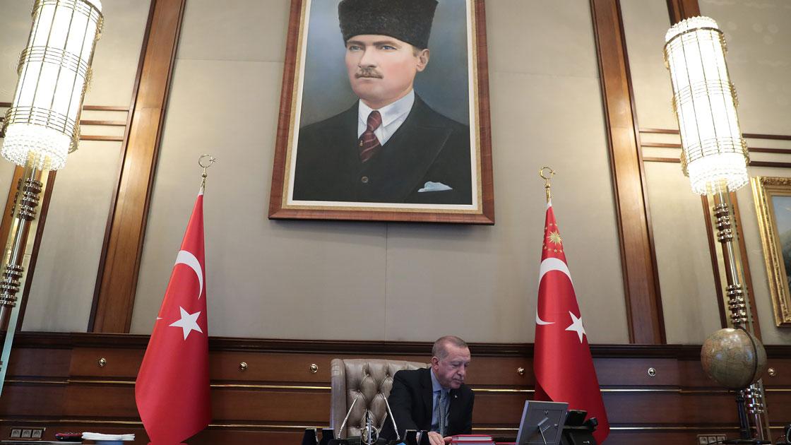 hande-erdogan-3.jpg
