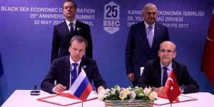 Türkiye ve Rusya arasında anlaşma; Ticari engeller kaldırıldı, domates yasağı devam etti