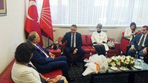 AKP ile CHP bayramlaştı