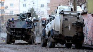 Askeri araca roketatarlı saldırı: 1 şehit