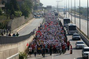Adalet Yürüyüşü ve Adalet Mitingi için İstanbul'da trafiğe kapanacak yollar açıklandı