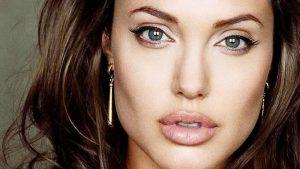 Angelina Jolie itiraf etti: Çocuklarımdan gizli duşta ağlıyordum!