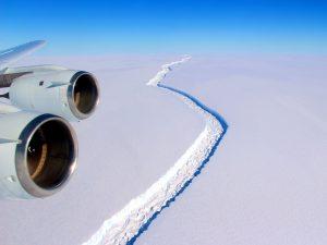 Antarktika'dan trilyon tonluk buzdağı koptu!