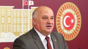 CHP Artvin Milletvekili Bayraktutan yürüyüşte rahatsızlanarak hastaneye kaldırıldı