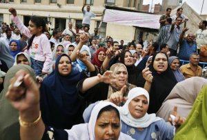 Mısır'da ilaç işçileri ücretleri için grevde