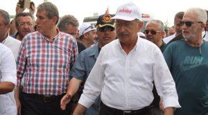 """""""Anadolu Ajansı muhabiriyim"""" dedi, fotomontaj yaptı, adalet yürüyüşünü hedef aldı!"""