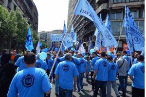 Sırbistan'da Fiat işçileri grevde: Ucuz iş gücü olmayacağız!
