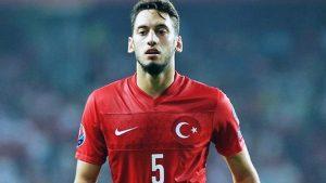 Milli futbolcu Hakan Çalhanoğlu AC Milan'da