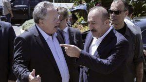 """Kıbrıs zirvesinde Çavuşoğlu ve Kocias arasında """"FETÖ"""" ve """"Bozkurt"""" tartışması"""