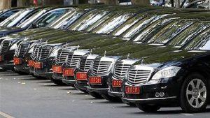 Yandaş gazetenin yazarı isyan etti: Makam araçlarına öyle güzel harcıyoruz ki…