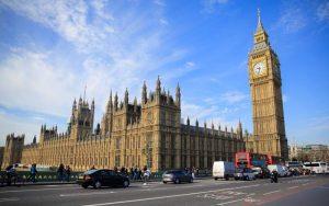 İngiltere'de Parlamento boşaltıldı!