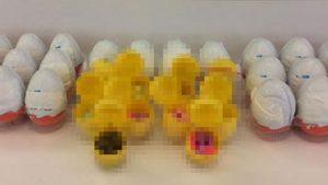 Çocuklar için üretilen 'sürpriz yumurta'dan uyuşturucu çıktı