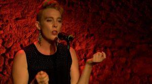 Ünlü Fransız şarkıcı sahnede hayatını kaybetti!