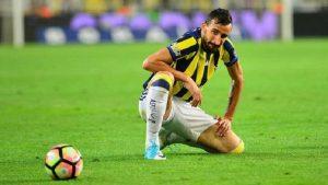 Fenerbahçe'de pas sorununu Mehmet Topal çözdü: Döverim sizi!