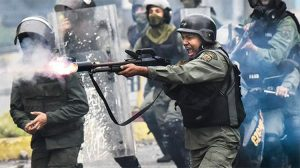 Venezuela'da anayasayı yeniden yazacak kurucu meclis üyeleri belirlenecek