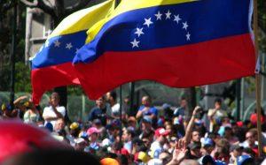 Maduro açıkladı… Venezuela'da asgari ücrete zam!
