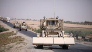 ABD, YPG'ye desteğini sürdürüyor: Rakka yolundaki silahlar böyle görüntülendi