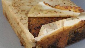 Antarktika'da hala yenilebilir görünen 100 yıllık kek bulundu
