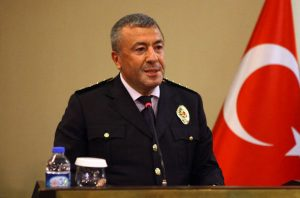 İstanbul Emniyet Müdürü'nden bekçilere: Silahınızı kullanmakta tereddüt etmeyin