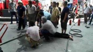 Zeytinburnu'nda sanayi sitesinde yangın: Bir kişi öldü, 10 yaralı var