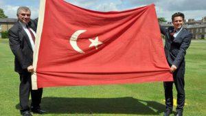 Londra'dan alınan Türk bayrağı kriz yarattı! Bakanlık inceleme başlattı…