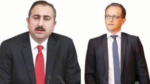 Türkiye ve Almanya adalet bakanları Adil Öksüz konusunda telefonda görüştü