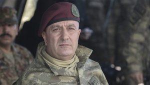 Korgeneral Zekai Aksakallı istifa etmemesi için ikna edildi