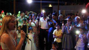 Aleyna Tilki memleketi Konya'da amcasının düğününde şarkı söyledi