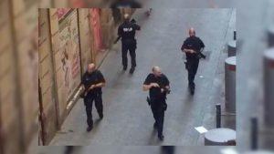 Barselona'da polis Türk restoranına rehine kurtarma operasyonuna hazırlanıyor