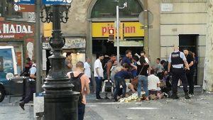 Barcelona'da araçlı ve silahlı 2 ayrı terör saldırısı: 12 ölü, 80 yaralı!