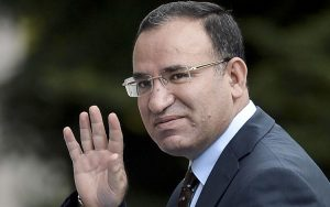 'Türkiye'de tweet attı diye tutuklanan bir Allah'ın kulu var mı?' diyen Bozdağ'a 'sayılı' yanıt!