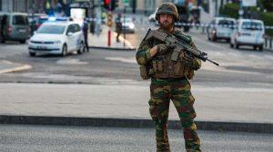 Polisten kaçan sürücü yakalanınca aracında bomba olduğunu iddia etti