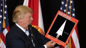 Alman Der Spiegel dergisi Ku Klux Klan maskeli Donald Trump'ı kapağına taşıdı