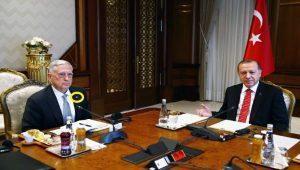 Erdoğan ve Mattis görüşmesinde dikkatlerden kaçmayan rozet