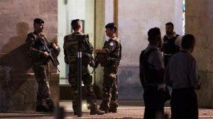 İspanya sınırına yakın Nimes'teki tren garı terör gerekçesiyle boşaltıldı