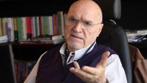 Hıncal Uluç, atletizm yayını yapan TRT Spor'un bir anda yayını kesmesini sert bir dille eleştirdi
