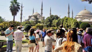 İstanbul'a ilk 6 ayda 4 milyon 385 bin turist geldi: Bakın en çok hangi ülkeden…