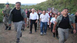 Kılıçdaroğlu Adalet Kurultayı'nın 2. gününde 57. Alay'a saygı yürüyüşüne katıldı
